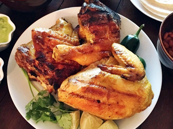 Jun 19, · I haven't seen anybody posting about El Pollo Loco. Today for lunch, my office catered from El Pollo Loco and although very tempting to eat the Chicken Taquito, I did not. All I had was 2 pieces of flamed grilled chicken thighs without skin, cups of .