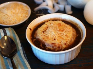 Applebee's Baked French Onion Soup copycat recipe by Todd Wilbur