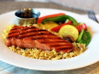 Applebee's Honey Grilled Salmon copycat recipe by Todd Wilbur