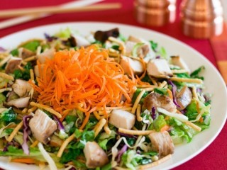 Applebee's Low-Fat Asian Chicken Salad copycat recipe by Todd Wilbur