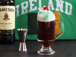 Bennigan's Irish Coffee copycat recipe by Todd Wilbur