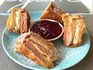 Bennigan's The Monte Cristo copycat recipe by Todd Wilbur