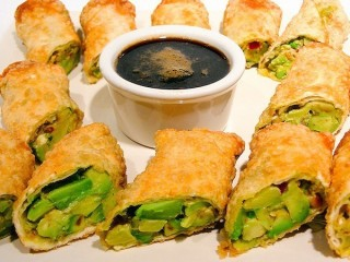 BJ's Restaurant and Brewhouse Avocado Egg Rolls copycat recipe by Todd Wilbur
