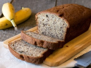 Bob Evans Farms Banana Nut Bread Loaf copycat recipe by Todd Wilbur