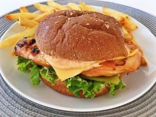 Carl's Jr. Santa Fe Chicken Sandwich copycat recipe by Todd Wilbur
