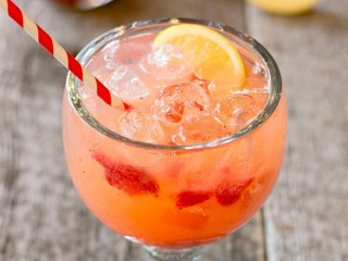 Cheddar's Spiked Strawberry Lemonade copycat recipe by Todd Wilbur