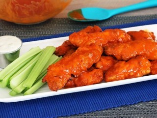 Chili's Boneless Buffalo Wings Reduced-Fat copycat recipe by Todd Wilbur