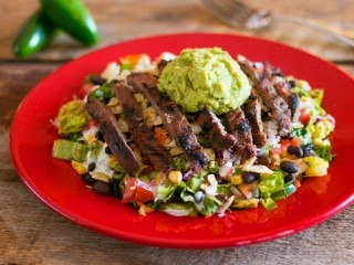 Chili's Fajita Salad Reduced-Fat copycat recipe by Todd Wilbur