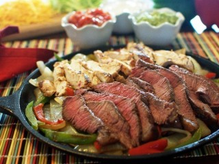 Chili's Fajitas For Two copycat recipe by Todd Wilbur