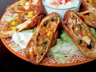 Chili's Southwestern Eggrolls Reduced-Fat copycat recipe by Todd Wilbur