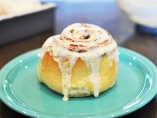 Cinnabon Cinnamon Rolls  (improved) copycat recipe by Todd Wilbur