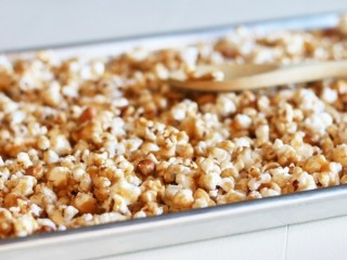 Crunch 'N Munch Buttery Toffee Popcorn with Peanuts copycat recipe by Todd Wilbur