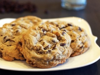 DoubleTree Hotel Chocolate Chip Cookies copycat recipe by Todd Wilbur