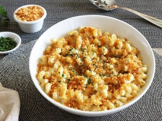 Fleming's Prime Steakhouse Chipotle Cheddar Macaroni and Cheese copycat recipe by Todd Wilbur