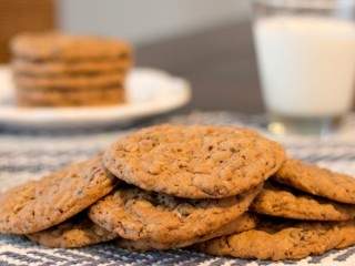 GrandMa's Oatmeal Raisin Big Cookies copycat recipe by Todd Wilbur