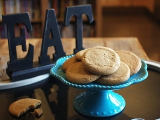 GrandMa's Peanut Butter Big Cookies copycat recipe by Todd Wilbur