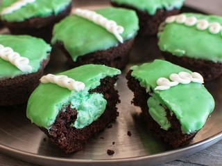 Hostess Mint Chocolate Cupcakes copycat recipe by Todd Wilbur