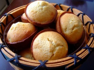 Kenny Rogers Roasters Corn Muffins copycat recipe by Todd Wilbur