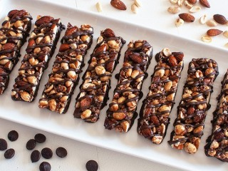 Kind Dark Chocolate, Nuts & Sea Salt Bar copycat recipe by Todd Wilbur