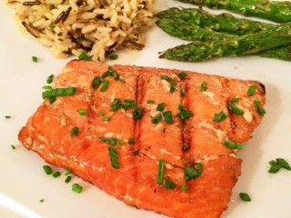 Lone Star Steakhouse Sweet Bourbon Salmon copycat recipe by Todd Wilbur