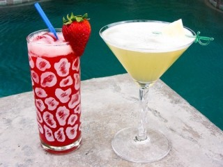 LongHorn Steakhouse Pineapple Goldrush and Strawberry Goldrush copycat recipe by Todd Wilbur