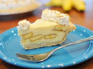 Marie Callender's Banana Cream Pie copycat recipe by Todd Wilbur