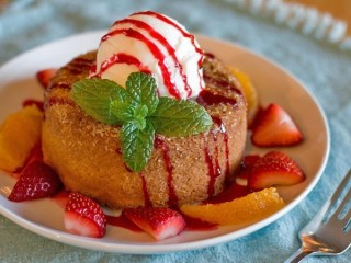 Mastro's Steakhouse Warm Butter Cake copycat recipe by Todd Wilbur
