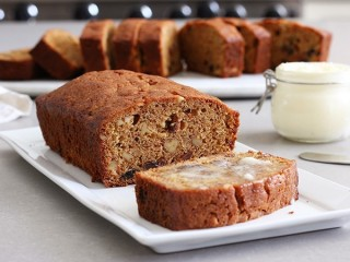 Mimi's Cafe Carrot Raisin Bread copycat recipe by Todd Wilbur