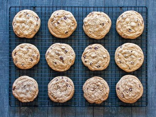 Mrs. Fields Chocolate Chip Cookies (TV)