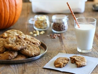 Mrs. Fields Pumpkin Harvest Cookies copycat recipe by Todd Wilbur