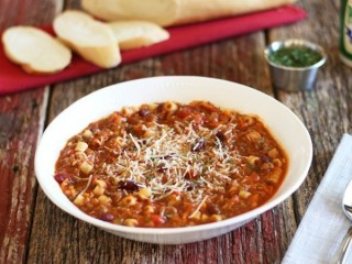 Olive Garden Pasta e Fagioli Reduced-Fat copycat recipe by Todd Wilbur