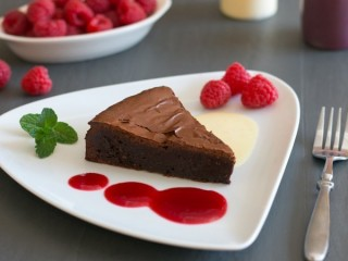 P.F. Chang's Chocolate Torte copycat recipe by Todd Wilbur