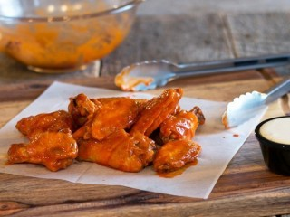 Pizza Hut WingStreet Traditional Chicken Wings copycat recipe by Todd Wilbur