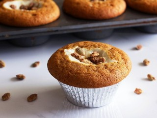 Starbucks Pumpkin Cream Cheese Muffin copycat recipe by Todd Wilbur