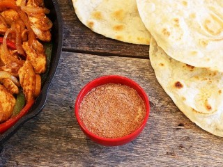 Taco Bell Chicken Fajita! Seasoning Mix copycat recipe by Todd Wilbur
