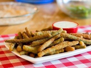 T.G.I. Friday's Crispy Green Bean Fries copycat recipe by Todd Wilbur
